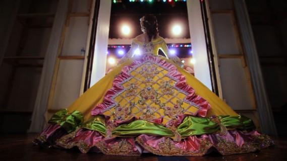 A debutante emerges in Las Marthas (photo by Craig Marsden)